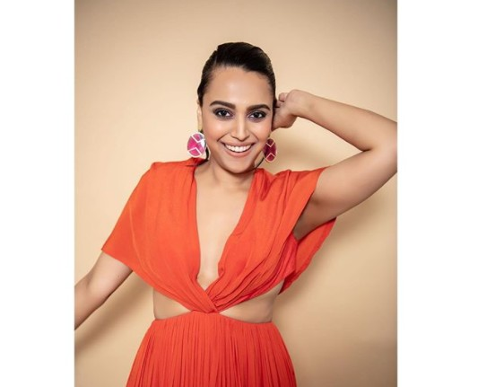 Anyone bursting crackers this yr is doing an awesome disservice to society: Swara Bhasker