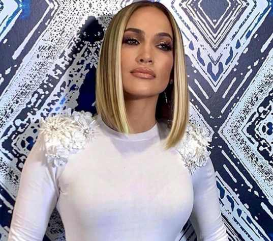 Jennifer Lopez Simply Sported A Nostalgic '90s-Inspired Hairstyle That's Excellent For The Warmer Weather
