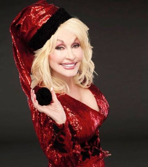 Dolly Parton Recalls the Yr She Got a Baby Brother for Christmas
