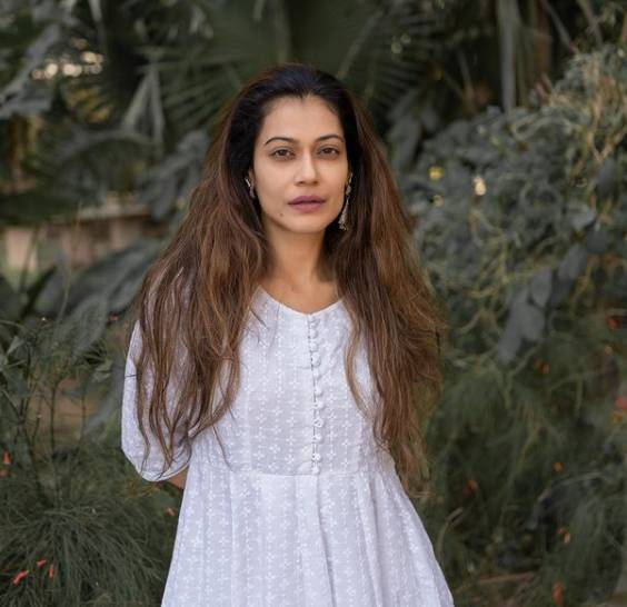 Actress Payal Rohatgi held for hurling abuse at society's chairperson on social media